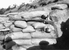 A self-firing rifle improvised by the Anzacs during their evacuation from Gallipoli, c. 1915