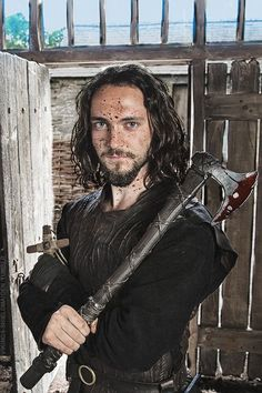 This is a character in a TV-Show called Vikings that goes on history channel. He is a monk, who is captured by the Vikings and witnesses their Athelstan Vikings, Ragnar Vikings, Floki, Ragnar Lothbrok, Vikings Tv Show, Vikings Tv Series, Watch Vikings, Bracelet Viking, Viking Jewelry
