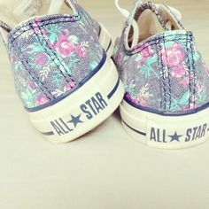 3d65ea963365 Somebody! Get me these now! Please.... Cute Converse