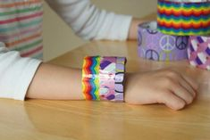 New Diy Bracelets Easy Kids Duct Tape Ideas Duct Tape Bracelets, Diy Bracelets Easy, Cute Bracelets, Crochet Bracelet Pattern, Bracelet Patterns, Easy Craft Projects, Fun Crafts, Project Ideas, Craft Ideas