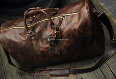 mens leather weekend bag Mens Travel Bag, Duffle Bag Travel, Travel Bags, Travel Luggage, Duffle Bags, Brown Leather Messenger Bag, Leather Duffle Bag, Messenger Bags, Mens Luggage