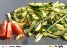 Čínský okurkový salát II. recept - TopRecepty.cz Asian Recipes, Asparagus, Green Beans, Zucchini, Vegetables, Food, Studs, Essen, Vegetable Recipes