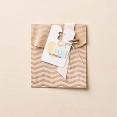 Gift tag and Chevron bag made using the Stampin' Up! Peachy Keen stamp set (133113) and Chevron bags (131370). Order Online: essentials.stampinup.net