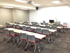What a beautiful installation at Rowan University's College of Graduate & Continuing Education! Check out the stunning installation shots courtesy of KI's Andrew Vandiver and Team Corbett Inc.! #iSpyKI #education #furniture #seating #strive #enlite #college #university