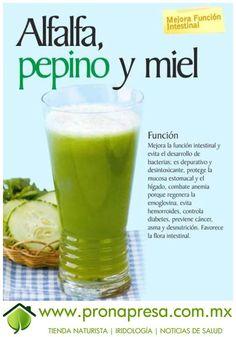 Jugo Natural de Alfalfa, Pepino y Miel: Mejora función intestinal. #ConsejosDeSalud #TipsSaludables #Nutrición