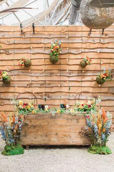 garden wedding reception - photo by Jessica Cooper Photography http://ruffledblog.com/green-thumb-wedding-at-terrain