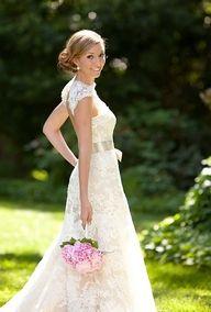 Gorgeous #vintage Lace Dress #wedding, www.finditforweddings.com