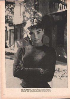 Audrey Hepburn  1950s 33410 - EphemeraForever.com
