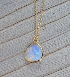 Opal Pendant Necklace by MintPeachBoutique on Etsy #opalsaustralia