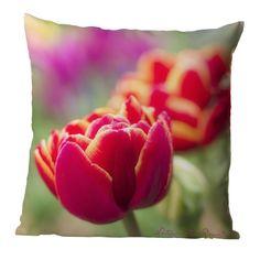 Tuch, Kissen oder quadratisches Leinwandbild aufgebauschte Tulpe in Frühlingsfarben