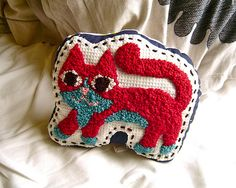 niko - french knot cat by PataPri on flickr #frenchknot #cat #patapri #embroidery