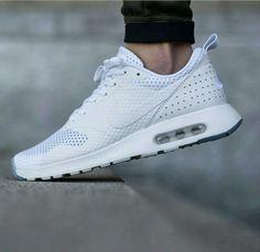 designer fashion 3c0e2 bd586 ... ULTRA LIB QS Nike Air max Tavas SE, triple white ...