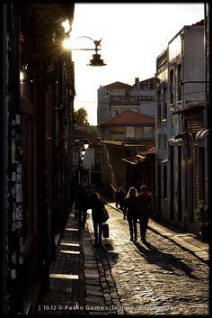 [2012 - Porto / Oporto - Portugal] #fotografia #fotografias #photography #foto #fotos #photo #photos #local #locais #locals #cidade #cidades #ciudad #ciudades #city #cities #europa #europe #pessoa #pessoas #persona #personas #people #porto #oporto #street #streetview @Visit Portugal @ePortugal @WeBook Porto @OPORTO COOL @Oporto Lobers