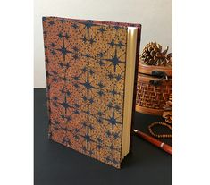 Handmade notebook with Oscha wrap scrap cover, dotted pages, bullet journal Dotted Page, Silent Night, Bookbinding, Natural Materials, Binder, Notebooks, Hand Sewing, Grid, Scrap