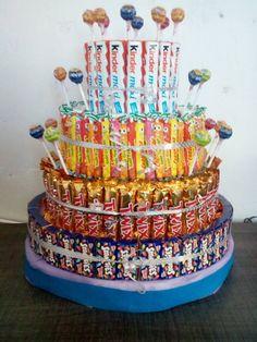 Torte - My site Chocolate Candy Recipes, Salted Caramel Chocolate, Chocolate Mug Cakes, Chocolate Gifts, Candy Birthday Cakes, Candy Cakes, Birthday Favors, Birthday Parties, Halloween Theme Birthday