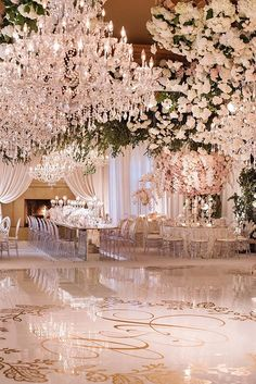 Wedding Venues - If you want an elegant look for your wedding day take a look at these soft, romantic, and elegant wedding decor ideas for your inspiration! White Wedding Decorations, Luxury Wedding Decor, Wedding Themes, Wedding Designs, Elegant Wedding, Perfect Wedding, Dream Wedding, Wedding Day, Trendy Wedding