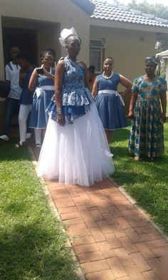 Bride looking gorgeous. Wedding Attire, Wedding Bride, African Traditional Wedding Dress, Looking Gorgeous, Beautiful, Bride Look, African Dress, Afro, Flower Girl Dresses