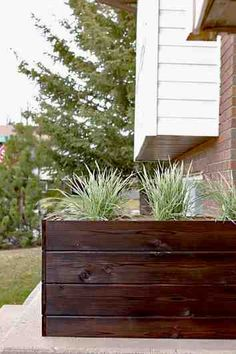 How to make a diy modern planter box for under 40 outdoor design modern outdoor planters Modern Planters, Outdoor Planters, Outdoor Decor, Diy Wood Planters, Contemporary Planters, Outdoor Spaces, Diy Flower Boxes, Diy Flowers, Outdoor Flower Boxes