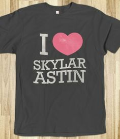 AHHHHh! I want this shirt! I love Skylar Astin!! He's so handsome and perfect. #Jesse #PitchPerfect