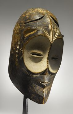 Ngbandi or Ngbaka Mask, Ubangi Region, Democratic Republic of the Congo African Masks, African Art, Statues, Rose Croix, Atelier D Art, African Sculptures, Art Premier, African Tribes, Art Sculpture