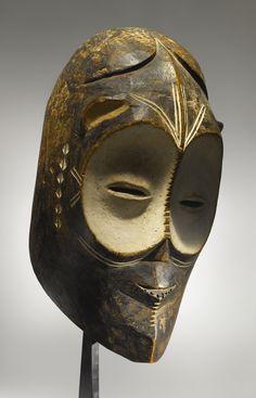Africa | Ngbandi or Ngbaka Mask, Ubangi Region, Democratic Republic of the Congo | Wood, Kaolin and pigment