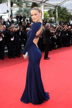 Bar Refaeli, 2011 Yowza. We're getting a Bond-girl vibe from this sliver of a Roberto Cavalli dress on Bar Refaeli.