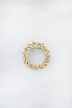 vintage 1950s floral wreath enamel brooch