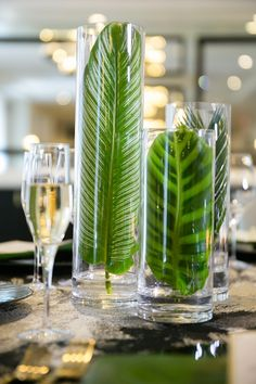 Glamorous Styled Shoot at the Goodwin Hotel - Perfete Tropical Party, Tropical Decor, Tropical Colors, Decoration Table, Table Centerpieces, Centrepieces, Deco Floral, Floral Design, Deco Buffet