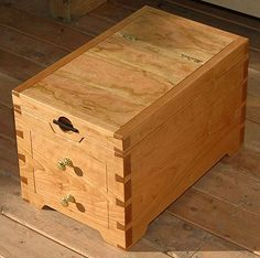 Jewelry Box with Mirror in Maple with Through and Half-Blind Dovetails, Seoul, Korea: