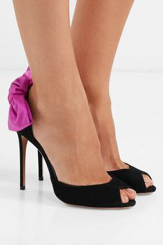 a62be627a145cd Aquazzura - Versailles bow-embellished suede sandals