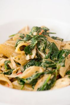 Pasta with stewed spinach. and cream! Wine Recipes, Pasta Recipes, Food Plus, Salmon Dinner, Brunch, Italy Food, Lunch Snacks, Pasta Dishes, Italian Recipes