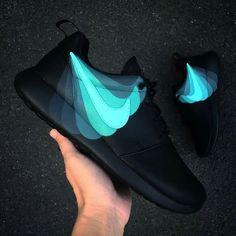 163 najlepších obrázkov z nástenky Topánky Nike  f045d8a89d