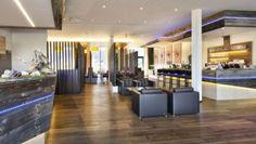 Unser Lounge Bereich vor dem Narzissenrestaurant im Narzissen Bad Aussee. www.narzissenbadaussee.at