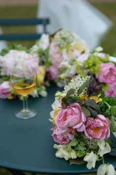 Vintage roses, sweet peas and white alliums Wedding Flower Inspiration, Wedding Flowers, Allium Flowers, Sweet Peas, Vintage Roses, Bridal Bouquets, Seasons, Table Decorations, Home Decor