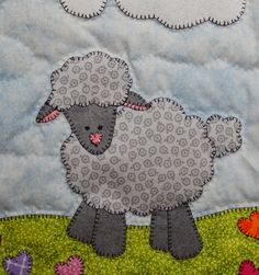 Lamb or sheep PDF applique pattern; farm animal applique quilt block; Easter or spring quilt pattern; baby or child's crib quilt pattern