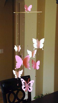 ** Deze papieren vlinder mobiele is gemaakt van Kraft papier en bamboe stokken, perfect voor de kamer van de baby / kinderkamer/kinderkamer / bruiloft decoratie, of gewoon een nest leuke voor uw huis. ** Wat je krijgt: 8 dubbele kanten 3D vlinder mobiel in shanded roze kleur en in