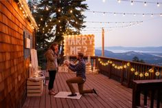 If there's ever a perfect first time to see your girl in tears, this is definitely it. This is the perfect lakeside proposal!