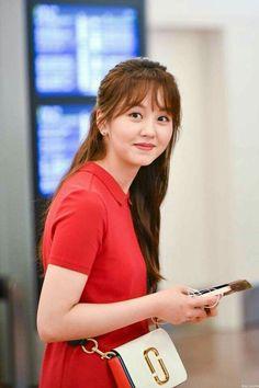 Kim So Hyun 180629 Gimpo Airport to Japan Asian Actors, Korean Actresses, Kim So Hyun Fashion, Arin Oh My Girl, Hyun Kim, Kim Sohyun, Kim Yoo Jung, Song Hye Kyo, Child Actresses