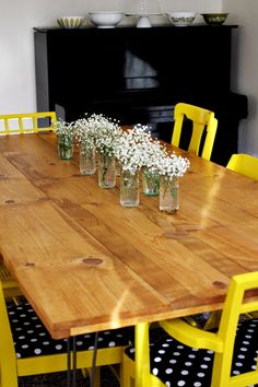 I love this dining room table.  And it actually means something since it was a project the couple planned and did together.