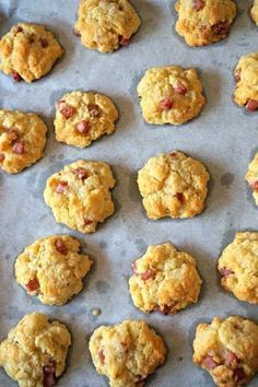 Savory ham biscuits, an aperitif in 5 minutes! Gluten Free Puff Pastry, Puff Pastry Recipes, Cookie Salad, Appetizer Recipes, Dessert Recipes, Dessert Dips, Recipes Dinner, Mets, Clean Eating Snacks