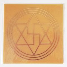 A Placa Radiônica Anti Magia ou Selo de Salomão é um poderoso gráfico de proteção contra qualquer energia psíquica ou magística >>> http://www.dhonellalojavirtual.com.br/radionica/249-placa-anti-magia-cobre.html