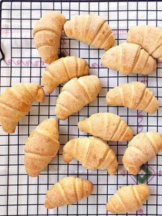 I biscotti della zia: Cornetti sfogliati a lievitazione naturale con pochissimi grassi