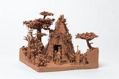 Choobaland, ville imaginaire miniature en argile rouge brute réalisée par Fred Biesmans (Belgique)