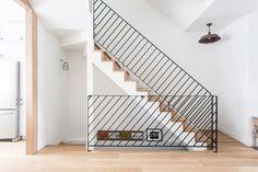 Home Decor Hallway 150 Marvelous Contemporary Stairs Ideas Stair Handrail, Staircase Railings, Stairways, Banisters, Steel Stair Railing, Metal Stairs, Metal Railings, Contemporary Stairs, Modern Stairs