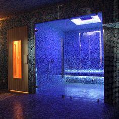 sauna and sonic shower anyone? Sauna Hammam, Spa Sauna, S Spa, Spa Day, Saunas, Infared Sauna, Relax House, Steam Spa, Steam Bath