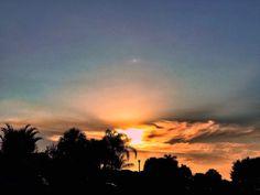 #wellington #view #sky #clouds #blue #florida #sunset #jibarosenlaluna #boricuas #streetview #viewfrommywindow #driving #love #familia #frompb