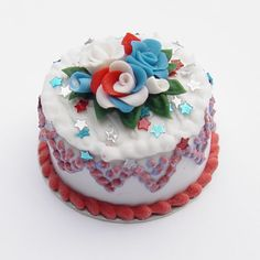 4th of July Cake w/Red, White and Blue Roses & Stars | Stewart Dollhouse Creations