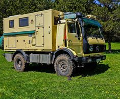 MERCEDES 1622 – the perfect expedition mobile as a truck - DIY Projects Overland Truck, Overland Trailer, Expedition Vehicle, Diy Camper, Truck Camper, General Motors, Vw Bus, Pick Up, Mobiles