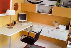 Escrivaninha e cadeiras por MUEBLES OYAGA
