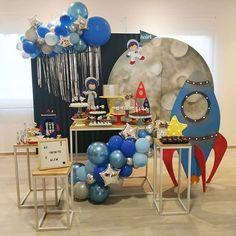 Incrível essa festa no tema Astronauta! 2nd Birthday Party Themes, Birthday Party Decorations, Boy Birthday, Nasa Party, Astronaut Party, Outer Space Party, Moon Party, Lucca, Toddler Boy Birthday